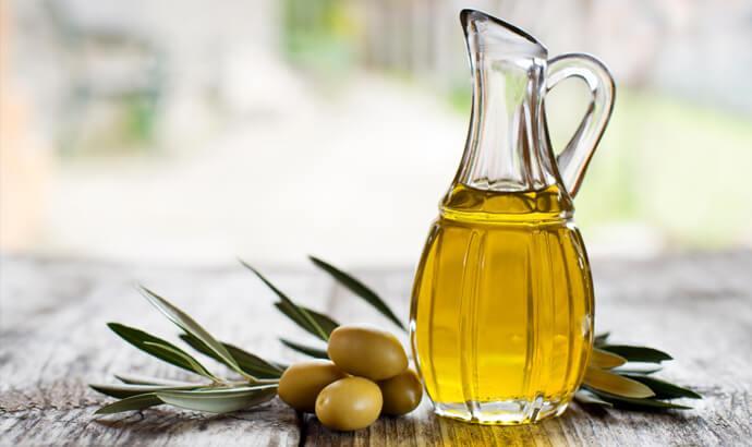 Olivolja, hasselnötsolja och mandelolja med oljesyra